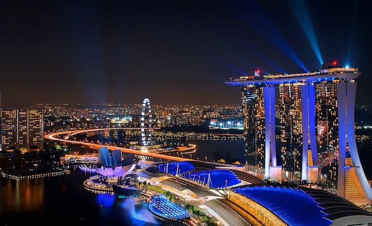 Kota Singapura di Waktu Malam