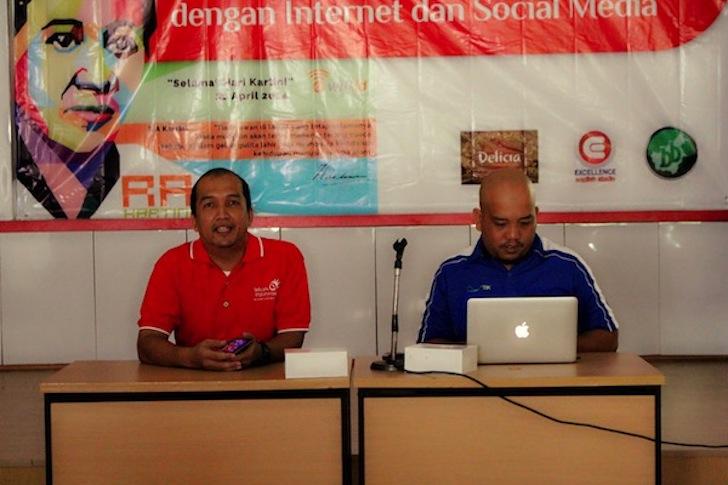 Seminar Internet Hari Kartini 2014