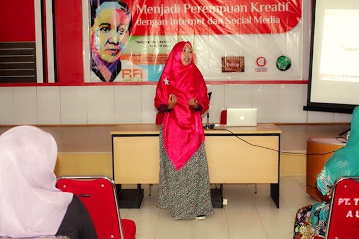 Seminar Internet Hari Kartini Pontianak 2014