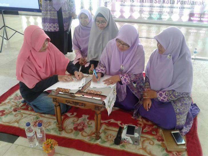 Proses Penandatanganan MoU Kerjasama Salimah Kalbar