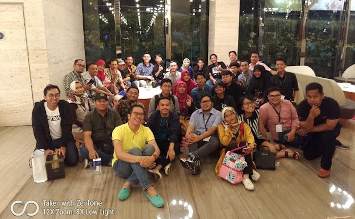 Sesi Foto Bersama BLUS Sebelum Kepulangan
