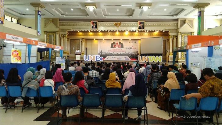 Suasana Pembukaan UNIEX 2018 di Auditorium UNTAN