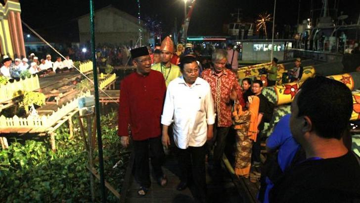 Gubernur Kalbar Cornelis Ketika Berkunjung ke Festival Meriam Karbit 2018