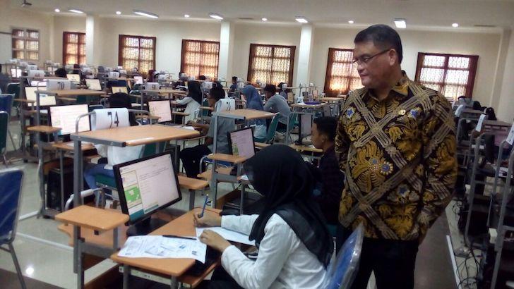 Rektor Untan Tinjau Langsung Pelaksanaan SBMPTN 2018