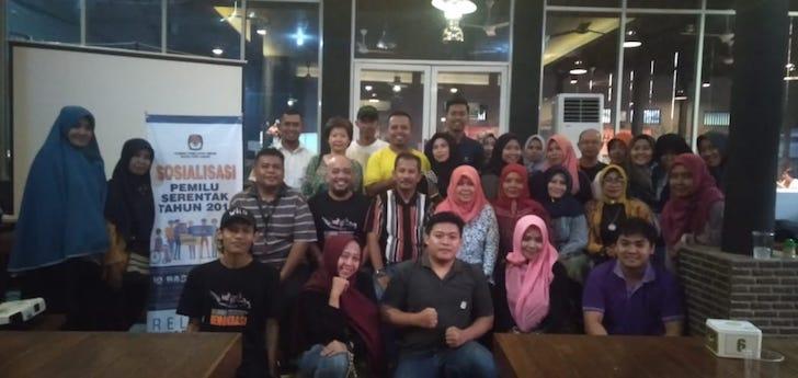 Relawan Demokrasi KPU Kota Pontianak Sosialisasi UMKM PontiMarket